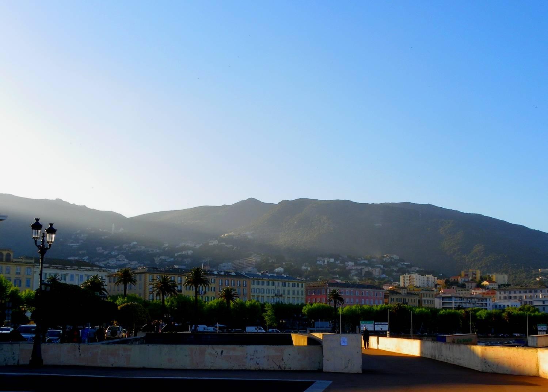 Coucher de soleil sur le port - Bastia, Corse